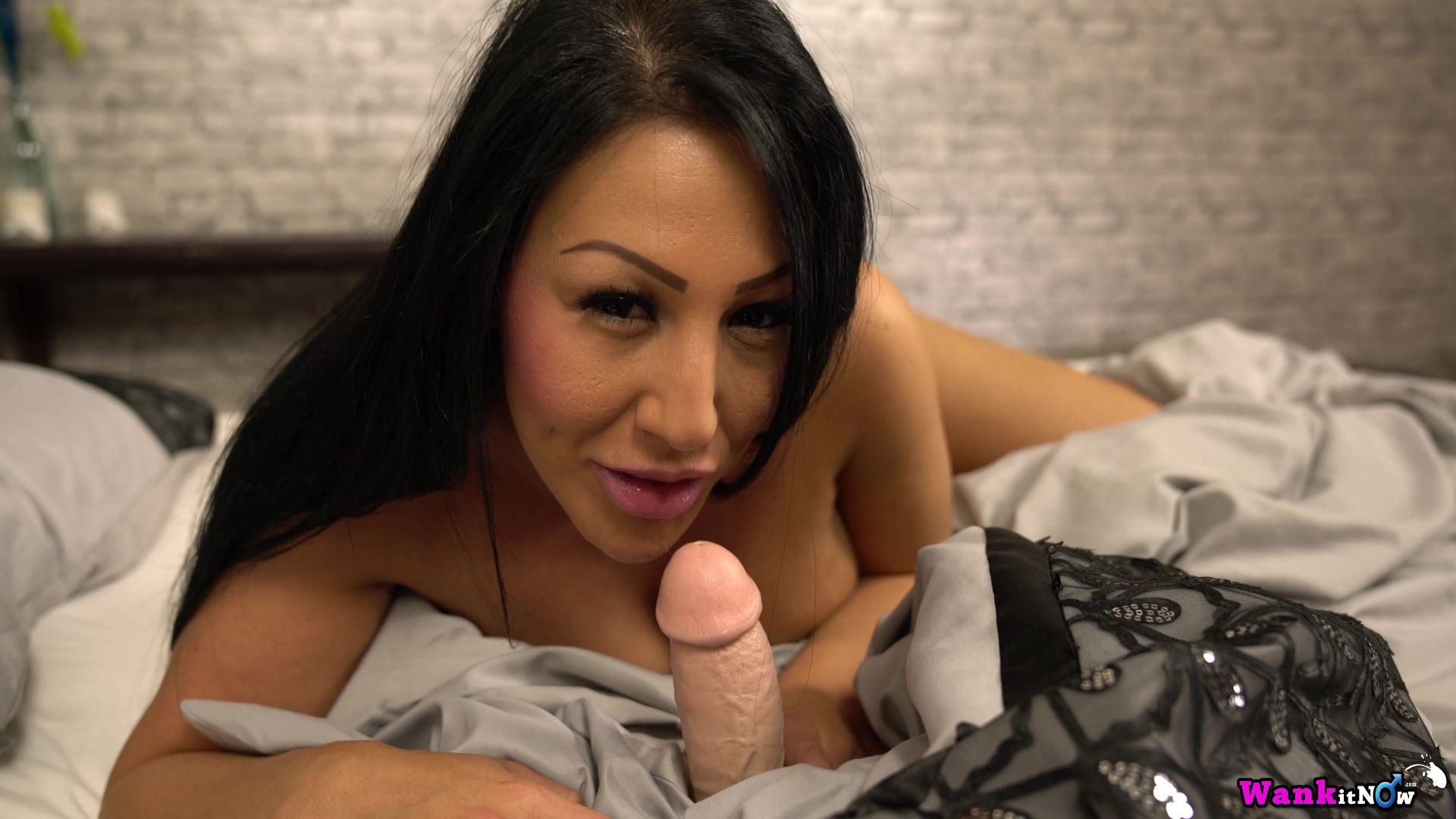 Hot full lips brunette of questionable ethnicity gets double creampie watch read rate comment Part 5