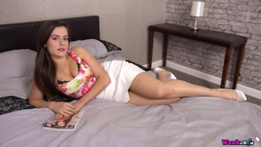charlie-rose-sweet-and-seductive-101