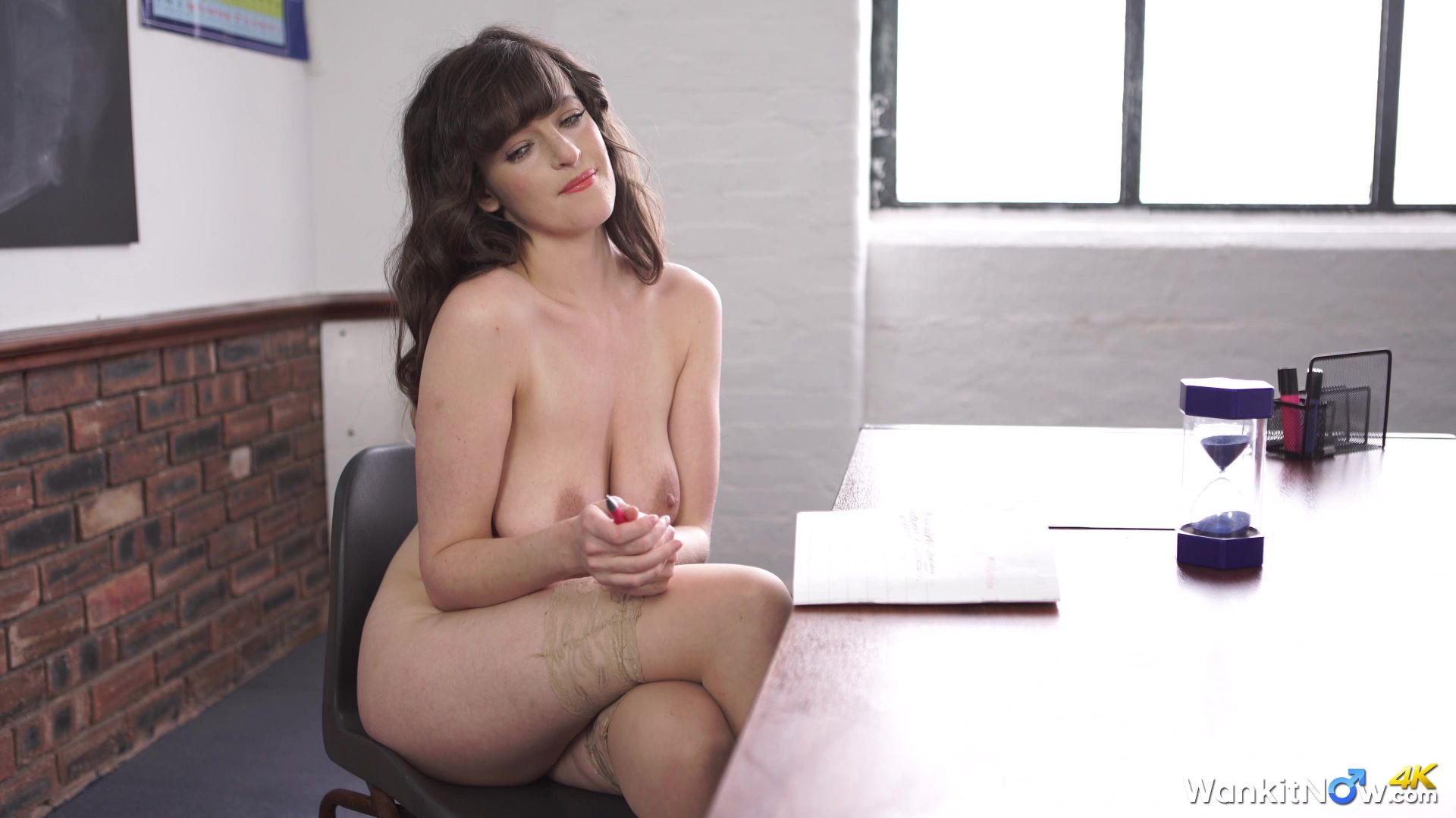 Sexy brunette behind the scenes piss 1