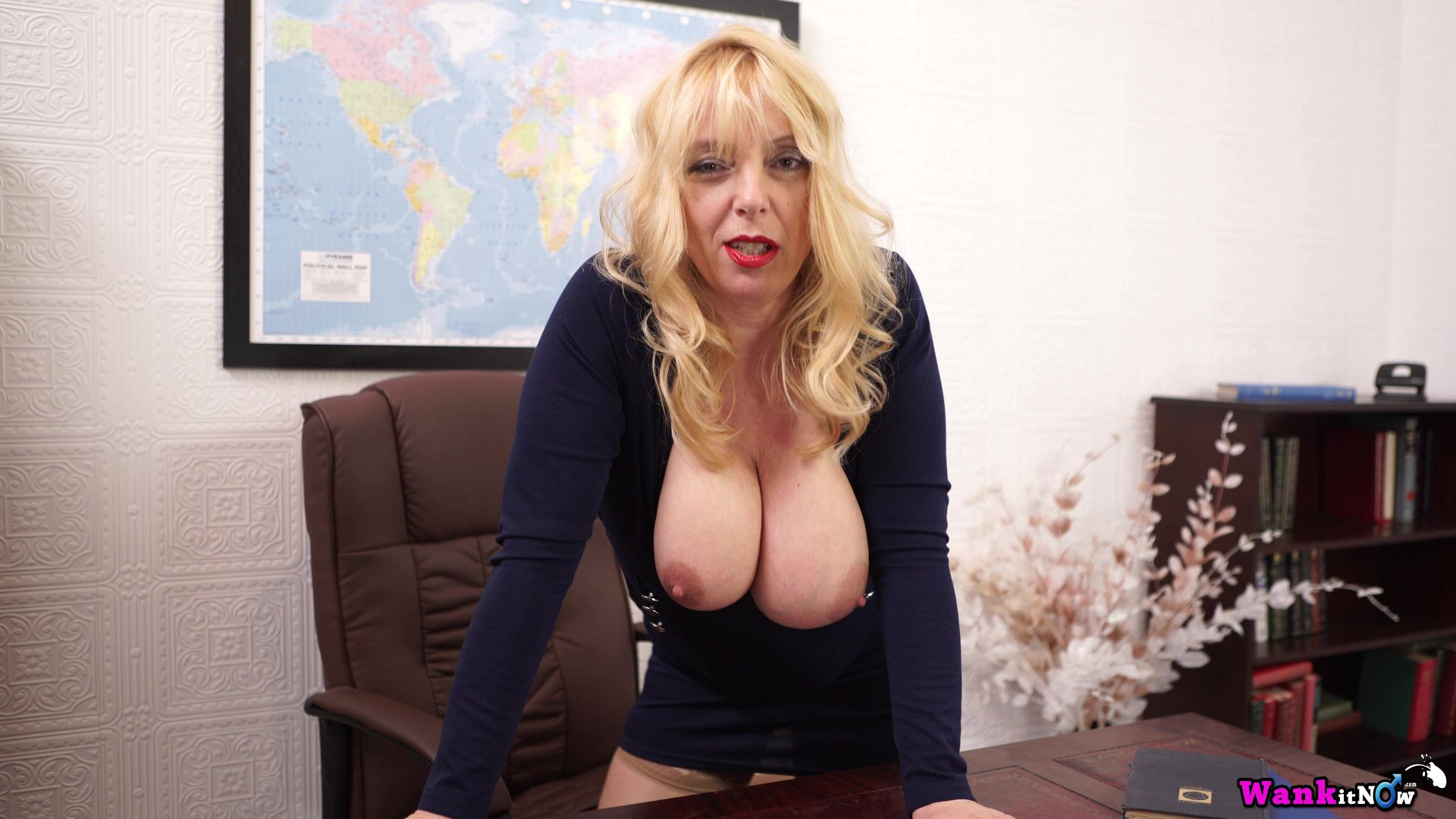 Milf lucy gresty is showing off britain039s best mature boobs - 2 part 1