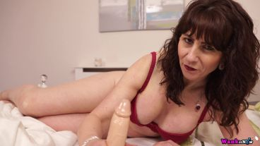 toni-lace-mom-blows-best-108
